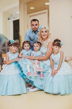 Миссис Екатеринбурге-2016 Оксана Кальмучина с детьми, фото