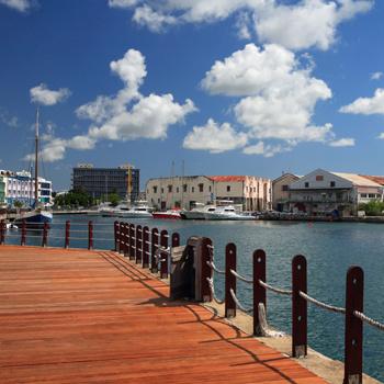 Барбадос с его британскими традициями до сих пор называют «Маленькой Англией».