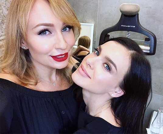 Певица Елена Темникова и визажист Ольга Романова, фото
