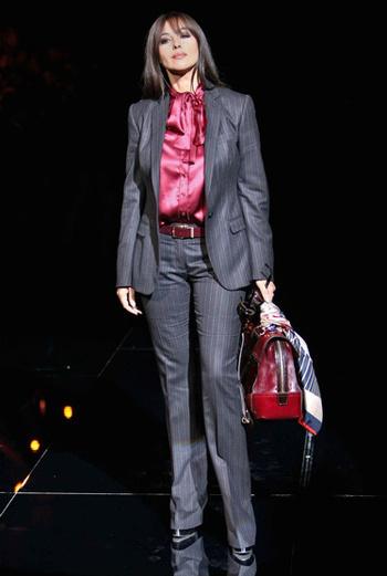 Моника Беллуччи на миланском показе Dolce and Gabbana.