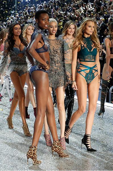 Шоу Victoria's Secret 2016