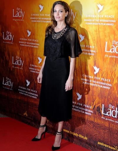 "Анджелина Джоли (Angelina Jolie) на премьере фильма ""Леди"" на Берлинском кинофестивале-2012"