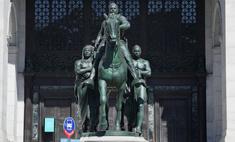 В Нью-Йорке уберут памятник Рузвельту, потому что он на коне, а чернокожий рядом— нет
