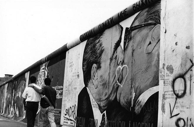 Поцелуй на Берлинской стене