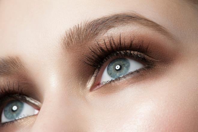 За красивые глаза: три эффективных бьюти-средства для век