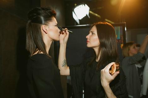 Big city life: подиумный макияж от Clarins | галерея [1] фото [4]
