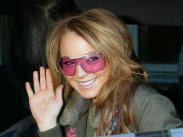 Линдсей Лохан (Lindsey Lohan) выпустили из-за решетки в связи с переполненностью тюрьмы