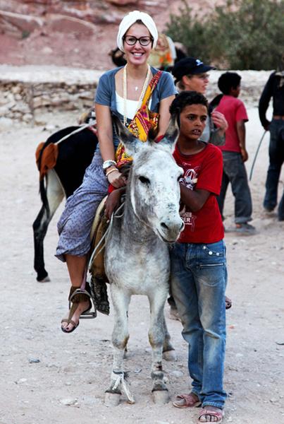 По дороге в Израиль Собчак посетила Иорданию, 2009 год.