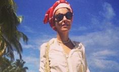 Собчак показала модные пляжные фото из отпуска
