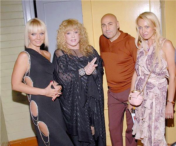 Валерия с супругом Иосифом Пригожиным и коллегами по шоу-бизнесу - Аллой Пугачевой и Яной Рудковской. 2009 год.