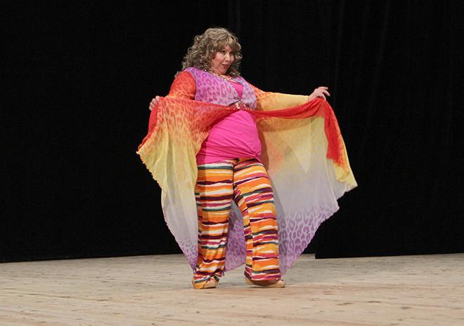 толстушки танцуют