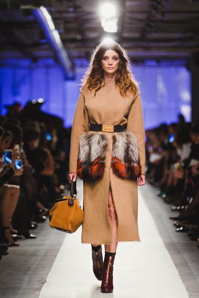 К зиме готовы: модный показ в ЦУМе | галерея [1] фото [24]