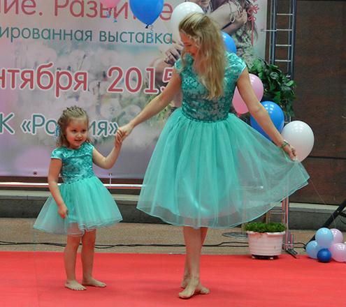 Ольга и Юна Забегина, маленькие копии мам