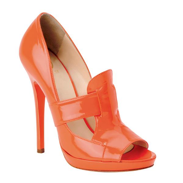 Туфли, Versace, цена по запросу.