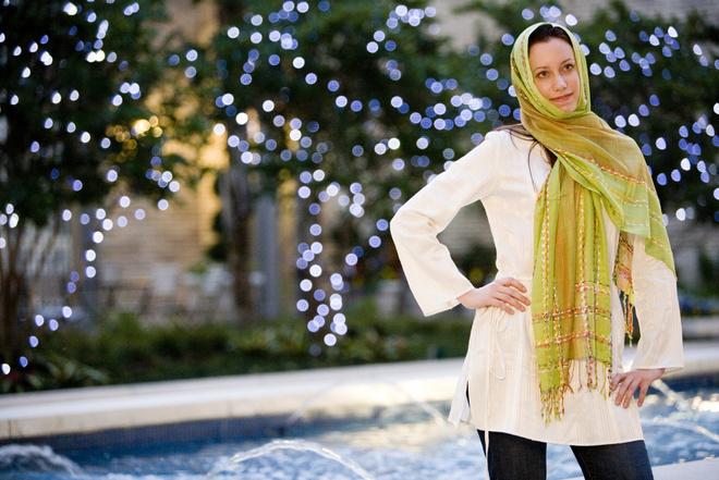 как носить шарф на голове с пальто