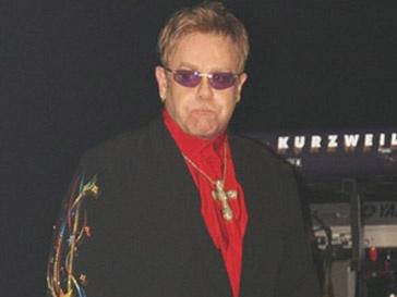 Элтон Джон (Elton John) не собирается выступать на свадьбе принца