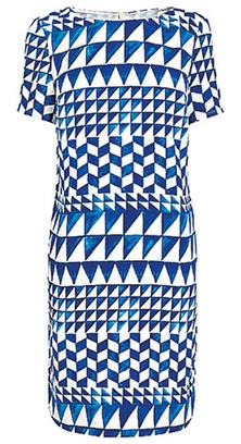 Летняя мода: как носить одежду с геометрическим рисунком