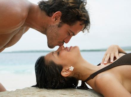 Мужчине нравится, когда ласкают его половой член; женщина - когда ее ласкают везде