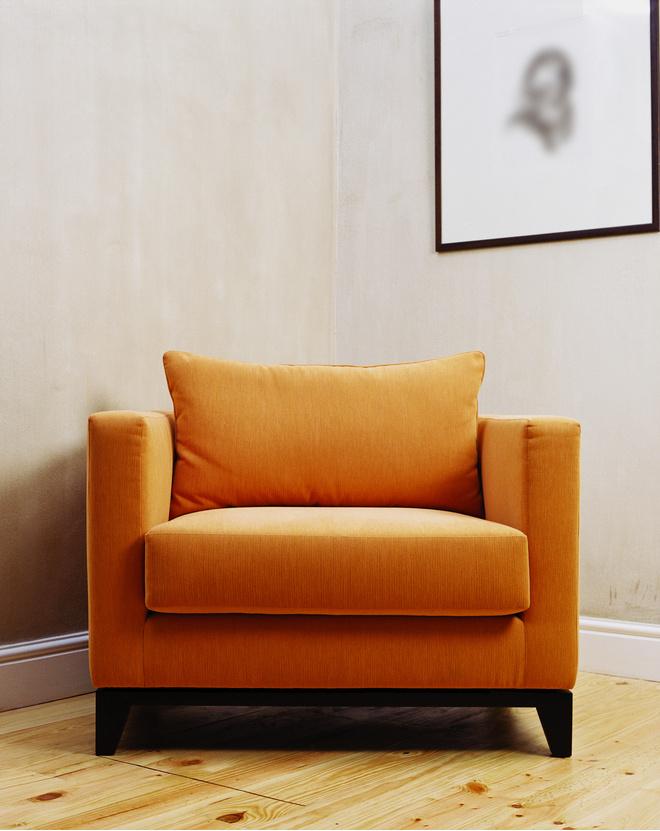чем помыть мягкую мебель