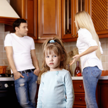«Представить, как чужой мужчина переедет к нам и займет место отца моего ребенка, я просто не могу», – говорят разведенные женщины.