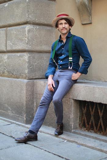 Cтиль Шляпника из «Алисы в стране Чудес» вдохновил Лоренцо из Милана, которого застал фотограф в Берлине.