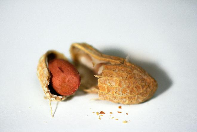 чем полезен арахис жареный для женщин