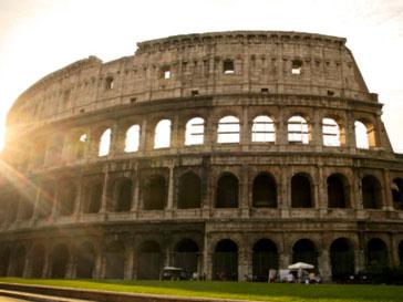 Итальянки считают,что Сильвио Берлускони не место в политике