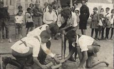 Что делают сибиряки на снимках прошлого века: 12 фотозагадок