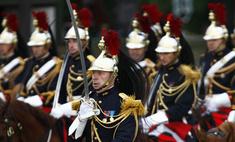 День взятия Бастилии отметили в Париже под дождем