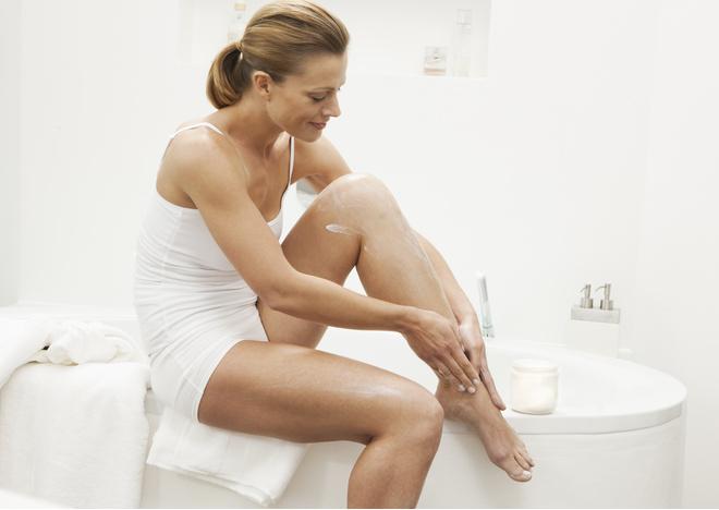 Крем замедляющий рост волос сохраняет гладкость кожи в течение двух недель