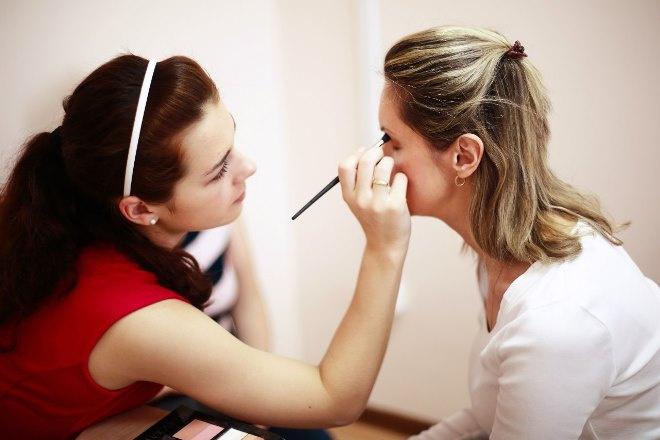 Если брови аккуратные и красивые, глаза кажутся больше