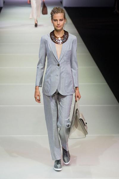 Показ Giorgio Armani на Неделе моды в МиланеПоказ Giorgio Armani на Неделе моды в Милане