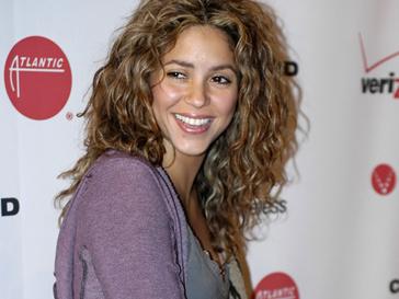 Шакира (Shakira) поможет колумбийским детям