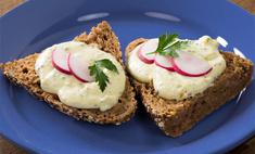 Бутерброд с сыром и яйцом