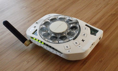 инженер сша собрала дисковый смартфон отвлекало фото процесс