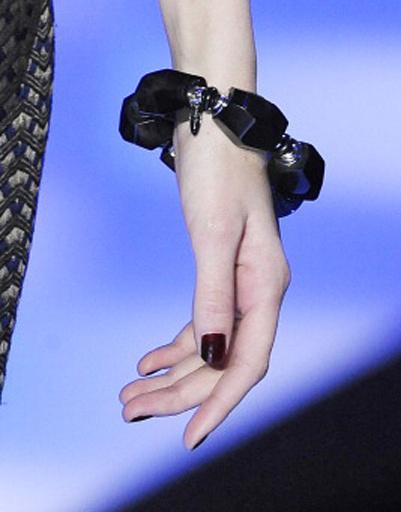 Маникюр моделей на показе Giorgio Armani Privé Весна-лето 2013 Haute Couture