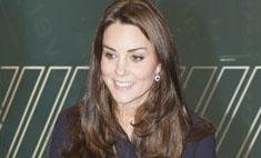 Осенний тренд: Кейт Миддлтон примерила платье-рубашку