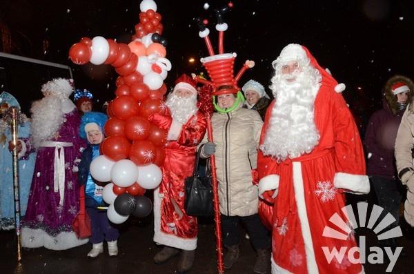 По Волгограду пройдет ежегодный парад Дедов Морозов
