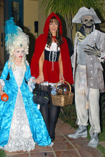 Кейт Бекинсейл с мужем и дочкой