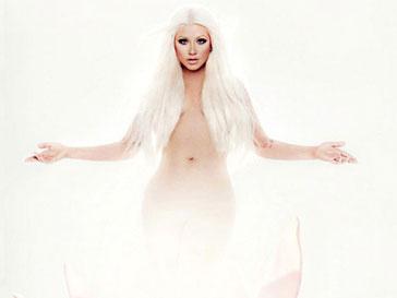 Кристина Агилера (Christina Aguilera) решила привлечь внимание к новому альбому своим обнаженным телом