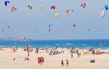 Тарифа - Мекка для экстремалов. Убедиться в этом можно, лишь заглянув на пляж.