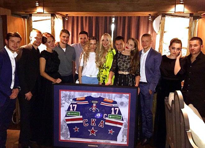 Андрей Малахов продал майку Роналду и перчатки Валуева