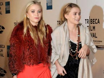 Мэри-Кейт и Эшли Олсен (Mary-Kate and Ashley Olsen) создали линию спортивной обуви из кашемира для итальянского бренда Superga