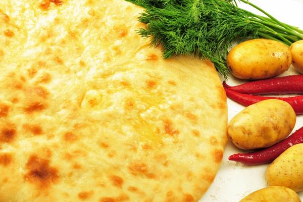 Пироги с мясом и сыром