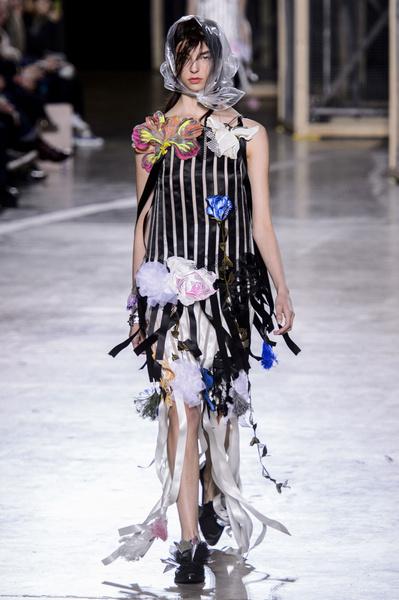 Самые красивые образы Недели моды в Лондоне | галерея [1] фото [57]