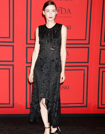 Руни Мара ( Rooney Mara) в маленьком черном платье