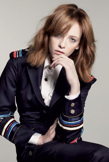 Tanya Chusko, агентство Fashion. Родилась на Украине.Предпочитает здоровую пищу — салаты, овощи, суши. Но не может устоять перед мороженым.
