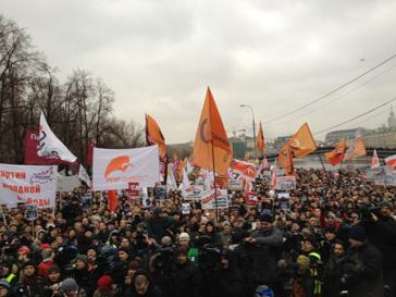На Болотной площади собралось порядка 40 тысяч человек. Количество митингующих с каждой минутой растет