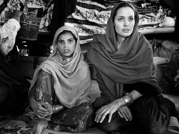Анджелина Джоли (Angelina Jolie) построит в Афганистане школу для девочек