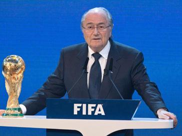 Зепп Блаттер (Sepp Blatter) принес извинения